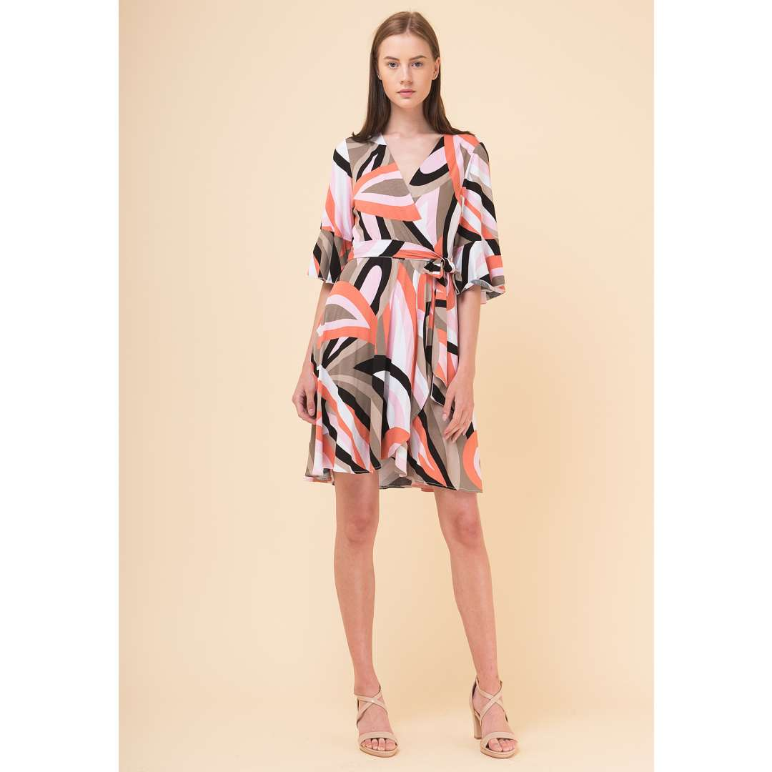 c85fa86c449 Εμπριμέ κρουαζέ φόρεμα με βολάν στο μανίκι