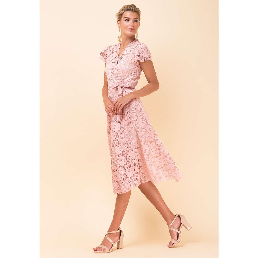 Δαντελένιο δετό φόρεμα