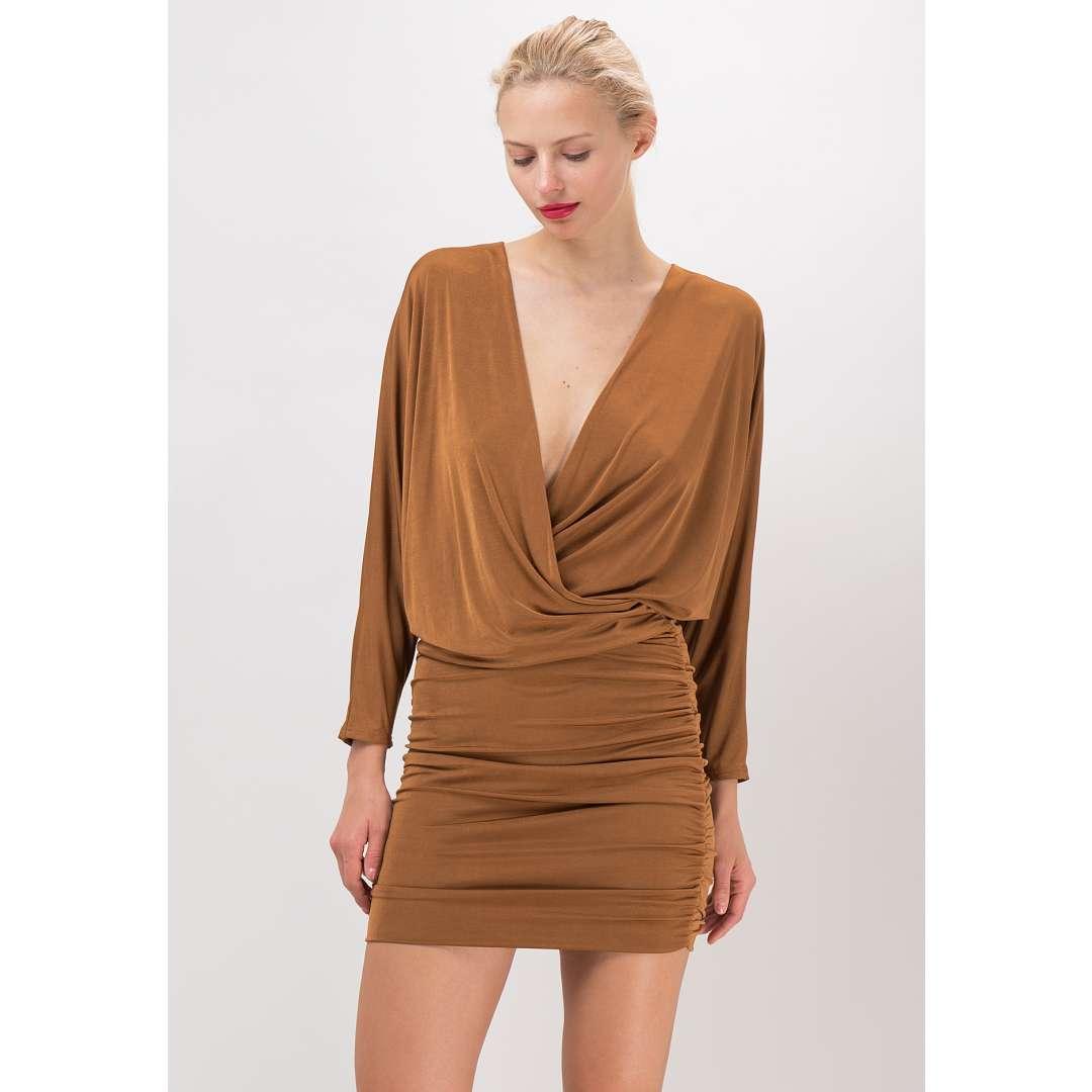 Μίνι φόρεμα με βαθύ κρουαζέ ντεκολτέ