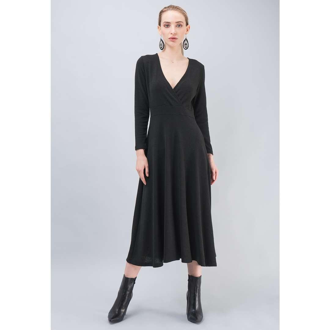 Πλεκτό φόρεμα με κρουαζέ ντεκολτέ