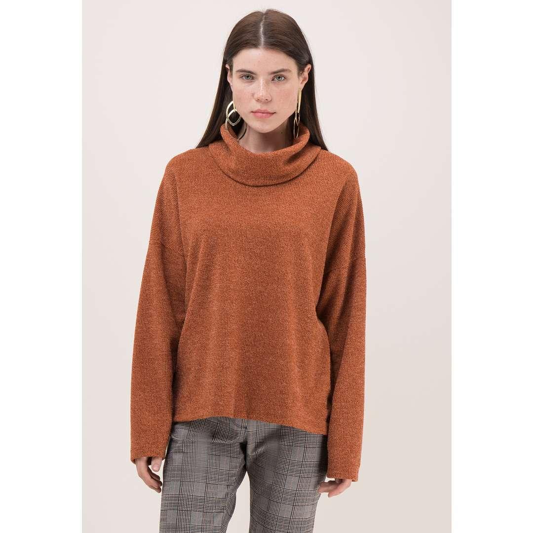 Μονόχρωμο πουλόβερ