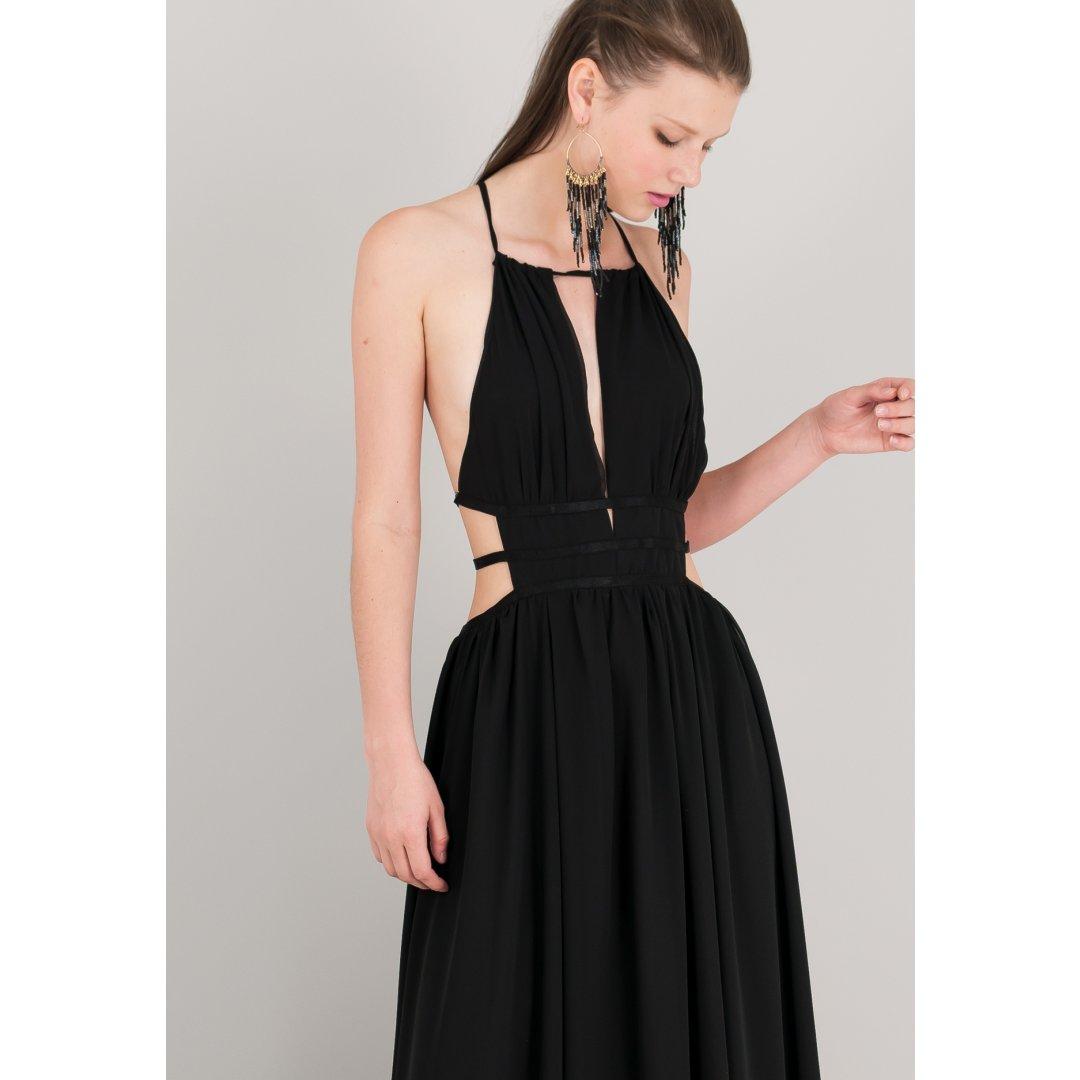 Μακρύ φόρεμα με ανοίγματα στα πλαϊνά.