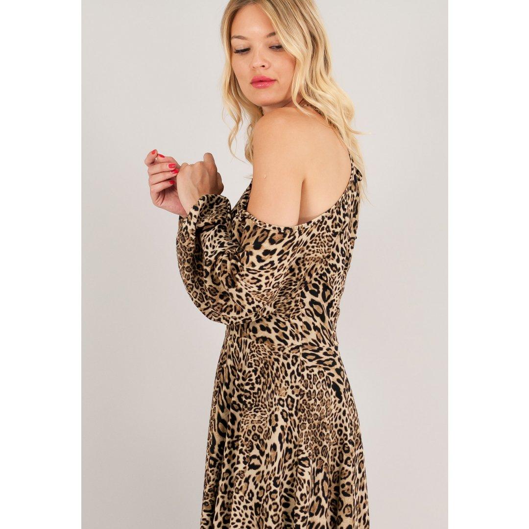 Animal print φόρεμα με μακριά μανίκια και έξω τους ώμους.