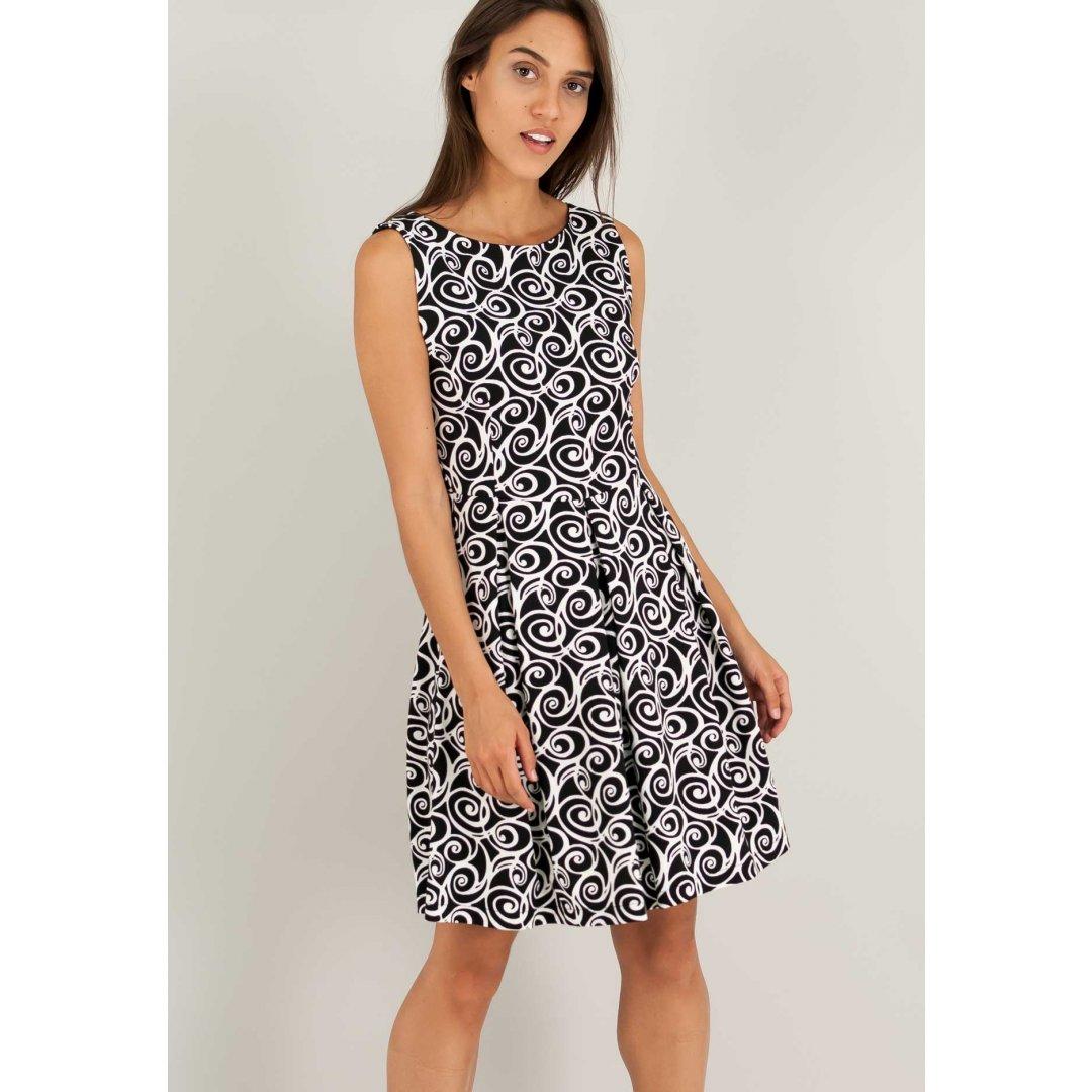 Εμπριμέ ασπρόμαυρο φόρεμα.