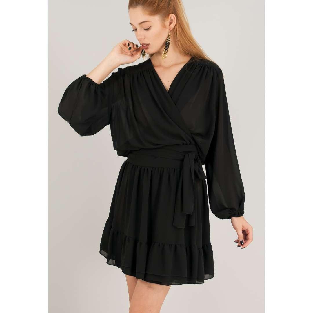 Μίνι κρουαζέ φόρεμα με σούρες.