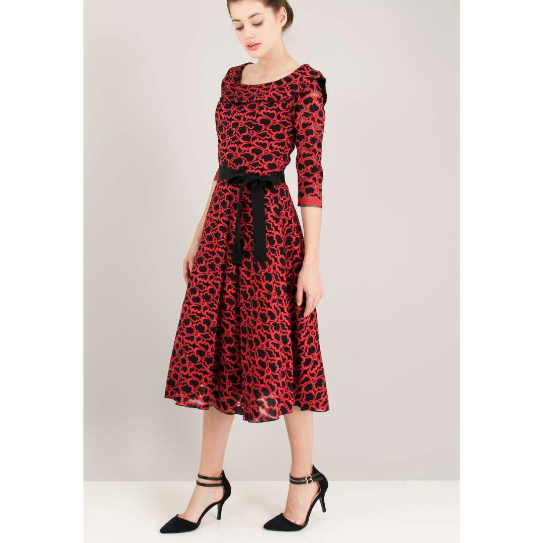 Μίντι δαντελένιο φόρεμα με φουρό εσωτερικά.
