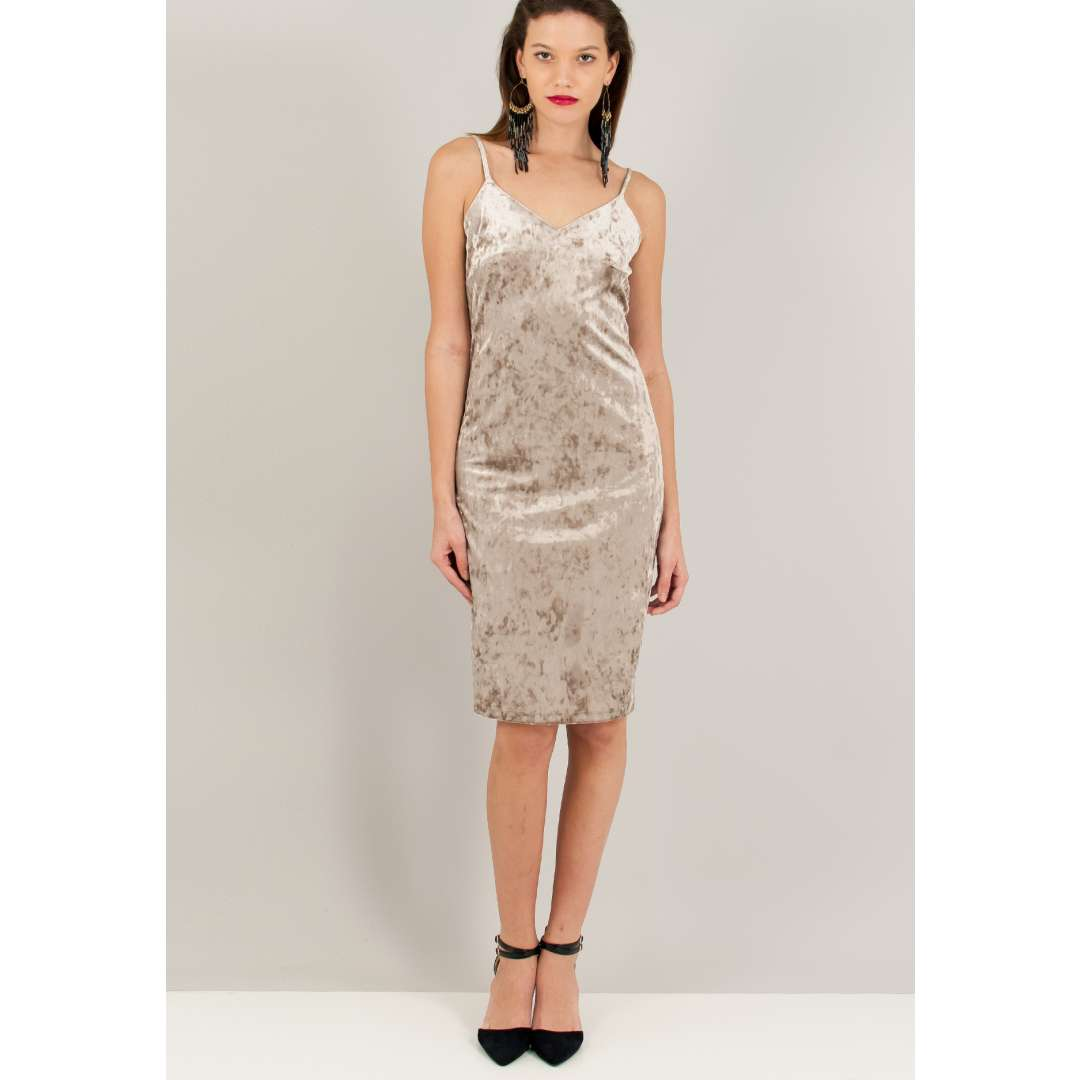 Βελούδινο lingerie φόρεμα. ενδυματα   φορεματα