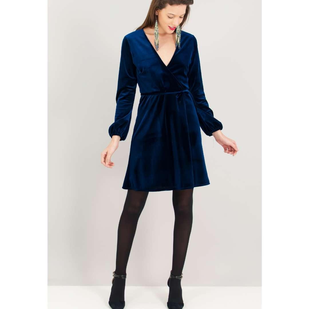 Βελούδινο κρουαζέ φόρεμα. ενδυματα   φορεματα