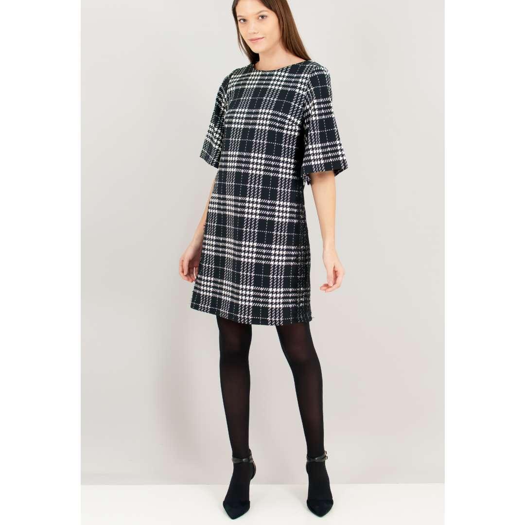 Pied de poule φόρεμα με δαντελένια λεπτομέρεια στο πλάι.