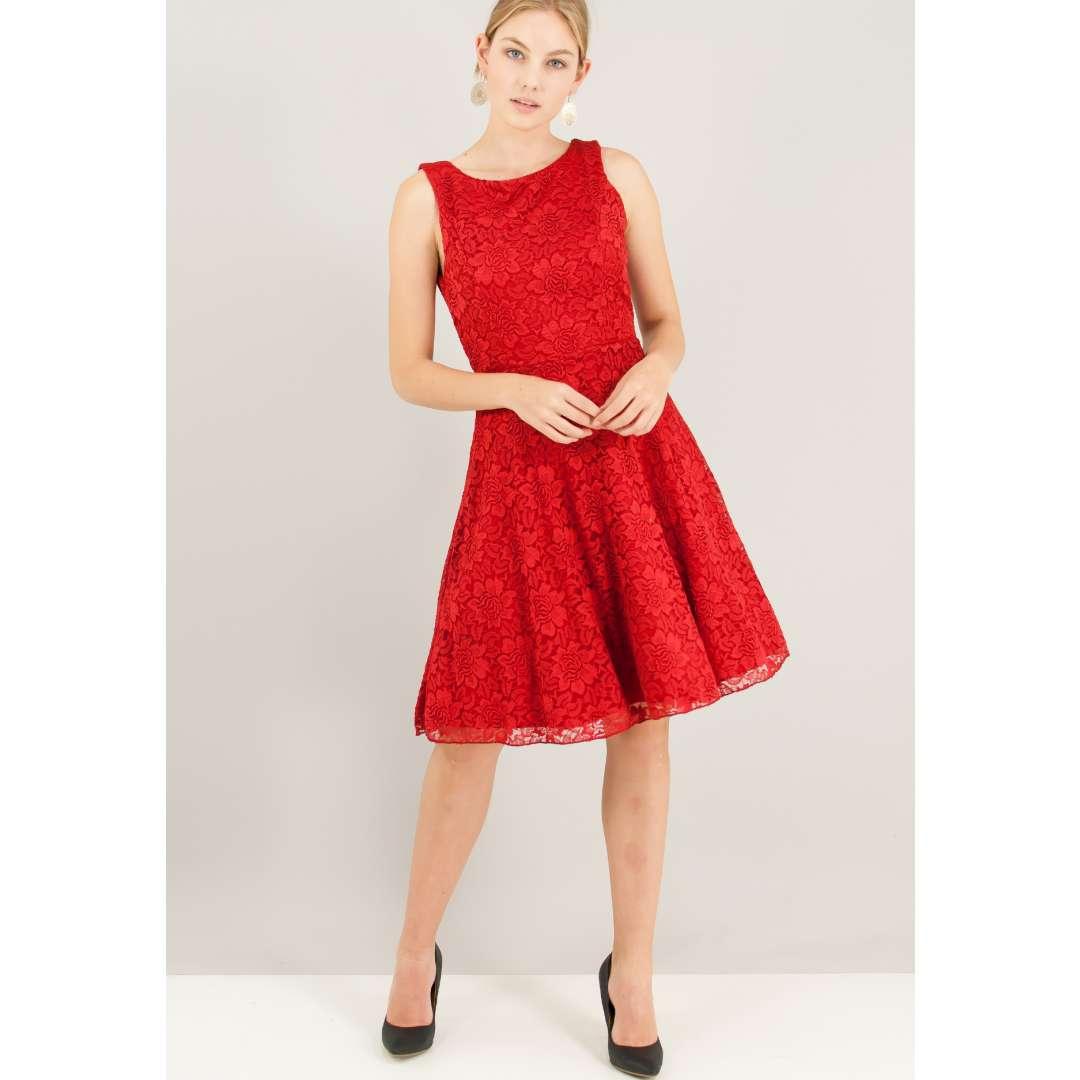 Δαντελένιο φόρεμα με φουρό.