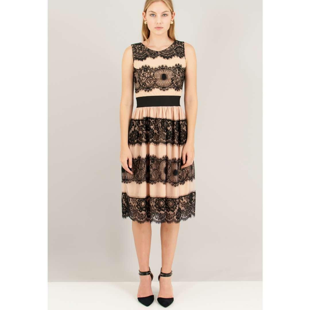 Μίντι φόρεμα με ανάγλυφο δαντελένιο μοτίβο.