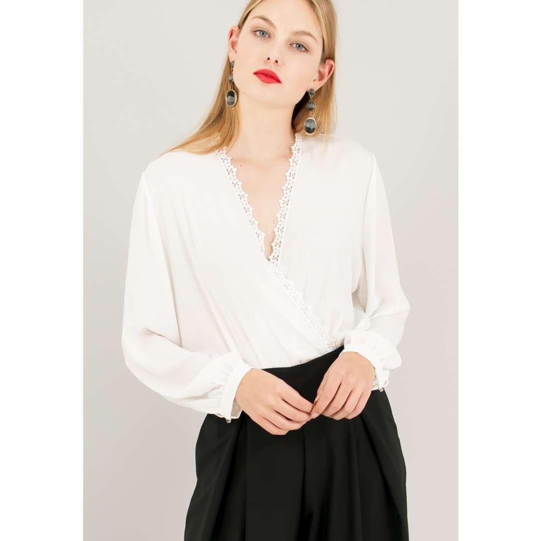 Κορμάκι σε στυλ πουκάμισο.