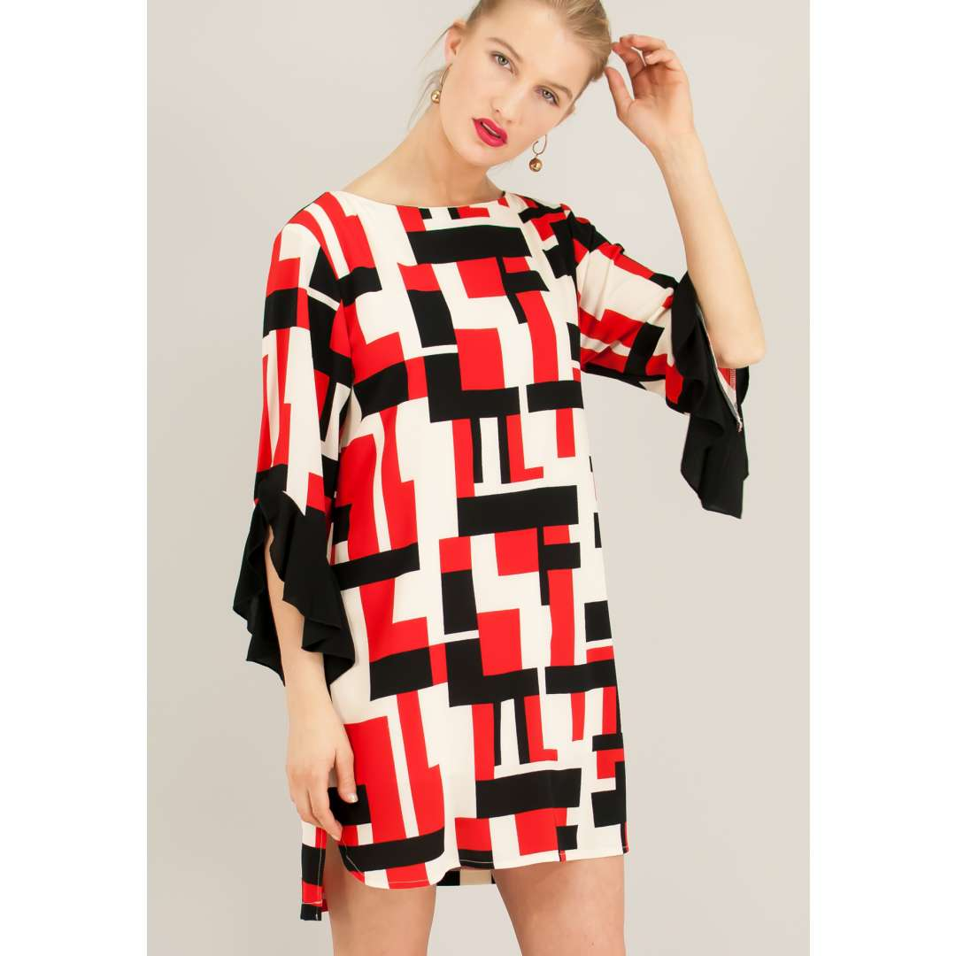 Φόρεμα με γεωμετρικά σχέδια. ενδυματα   φορεματα