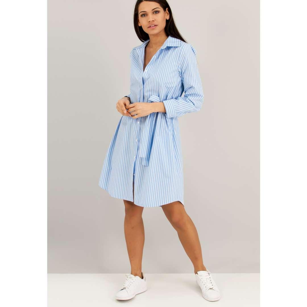 Ριγέ φόρεμα σε στιλ πουκάμισο. ενδυματα   φορεματα