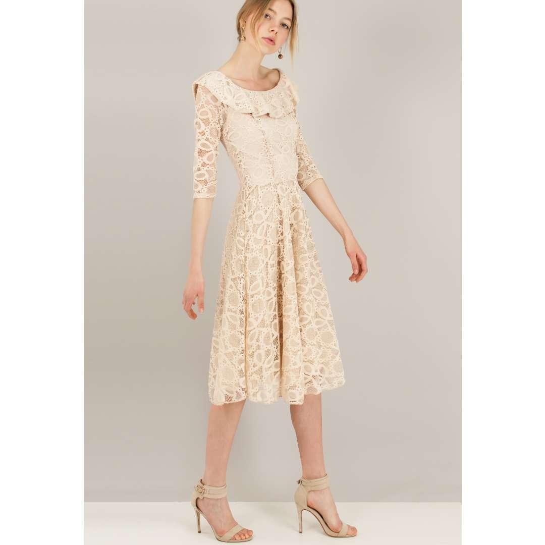 Δαντελένιο κλός φόρεμα με βολάν στο μπούστο. ενδυματα   φορεματα