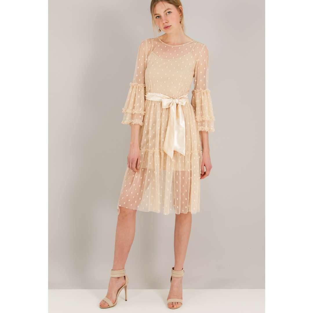 Φόρεμα από δίχτυ με ανάγλυφο μοτίβο. ενδυματα   φορεματα