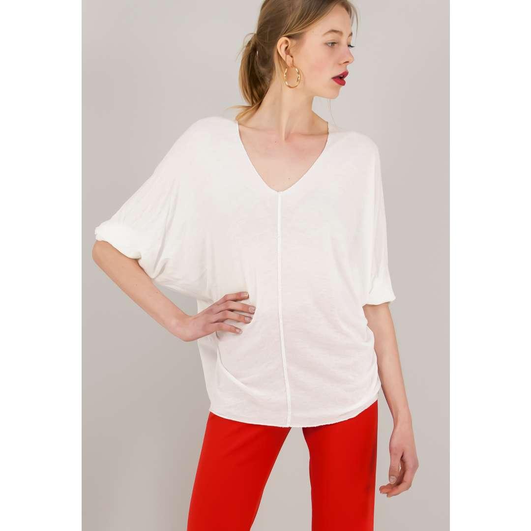 Loose μπλούζα με λαιμόκοψη V.
