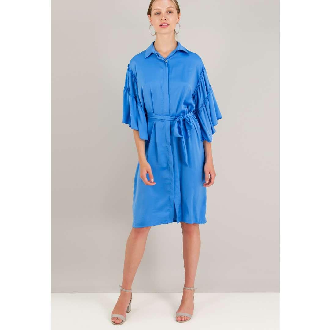 a72fd7ce0e17 Σατέν φόρεμα σε στιλ πουκάμισο με λεπτομέρεια βολάν.