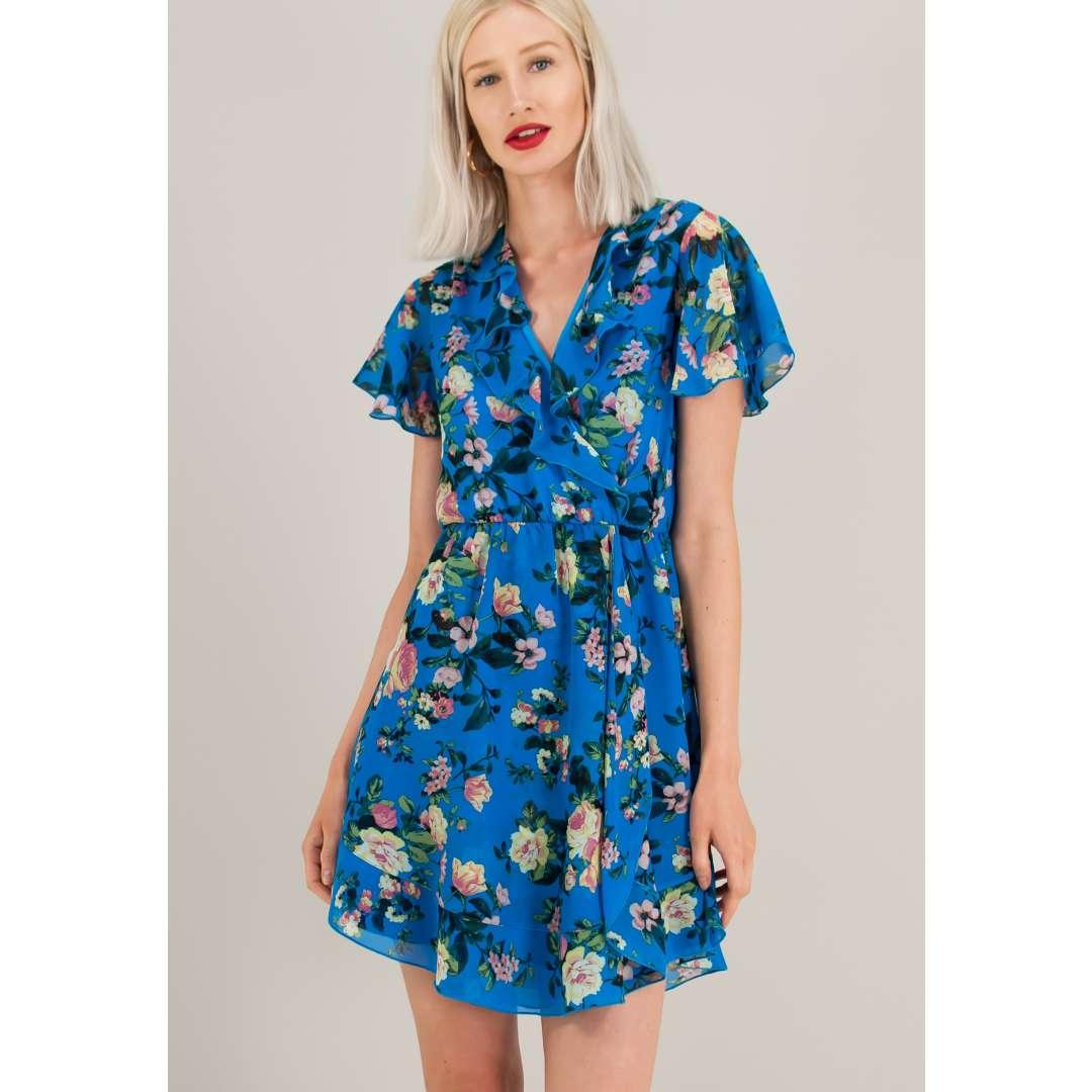 Κοντό κρουαζέ φόρεμα με βολάν στο μπούστο. ενδυματα   φορεματα   κρουαζέ φορέματα