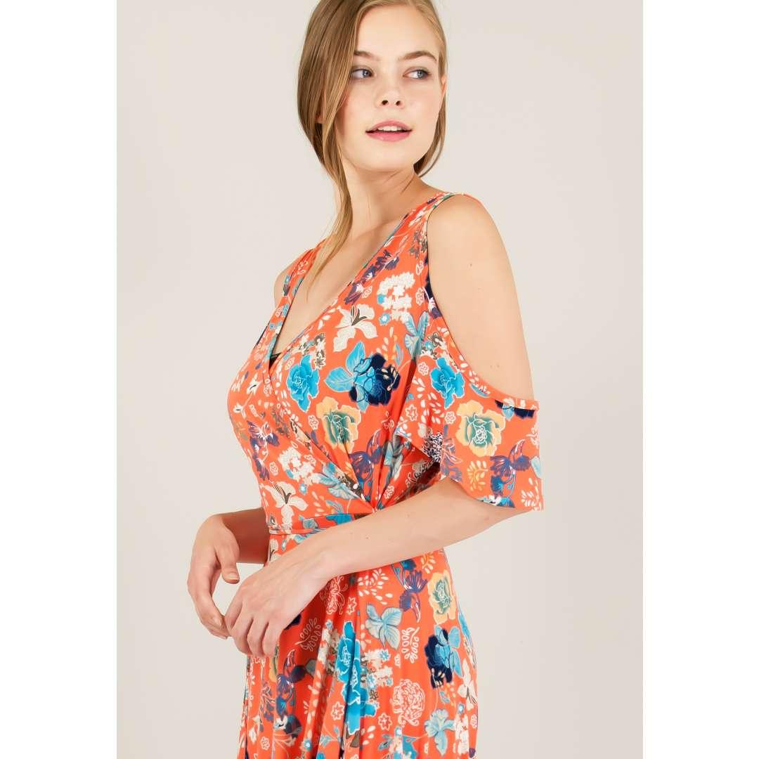 Kρουαζέ φόρεμα με έξω τους ώμους. ενδυματα   φορεματα   κρουαζέ φορέματα