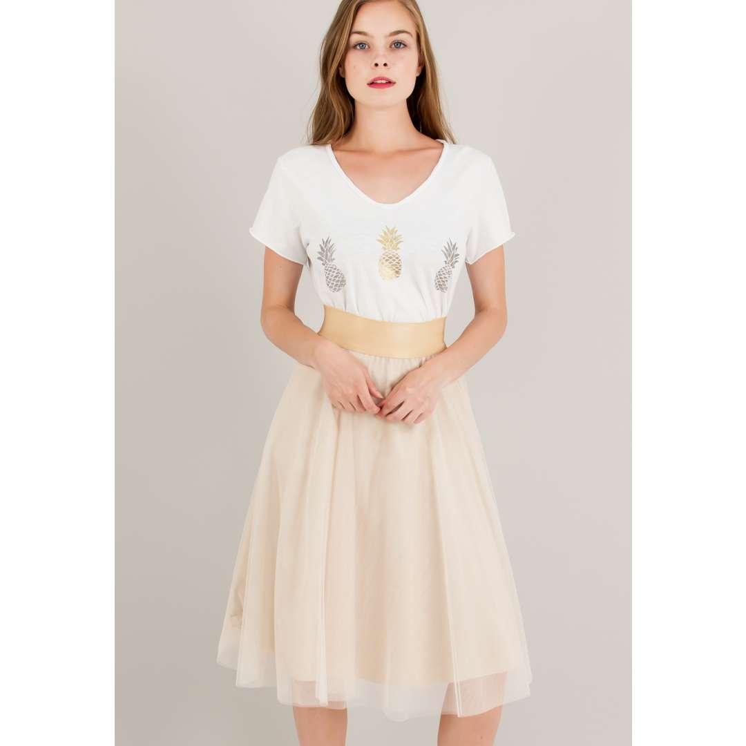 Μίνι τούλινη φούστα με λάστιχο στη μέση.