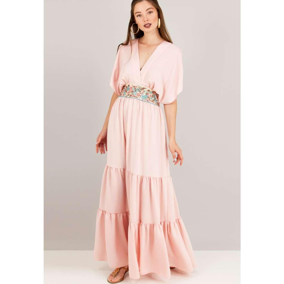 Φόρεμα με ανάγλυφο κέντημα στη μέση. ενδυματα   φορεματα   μακριά φορέματα
