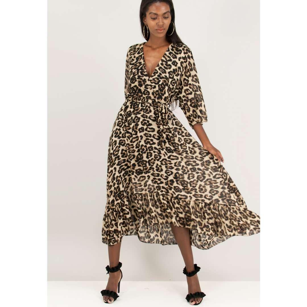 Animal print φόρεμα με βολάν στο τελείωμα.