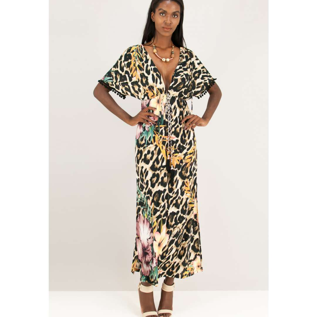 Λεοπάρ φόρεμα με φλοράλ λεπτομέρειες.