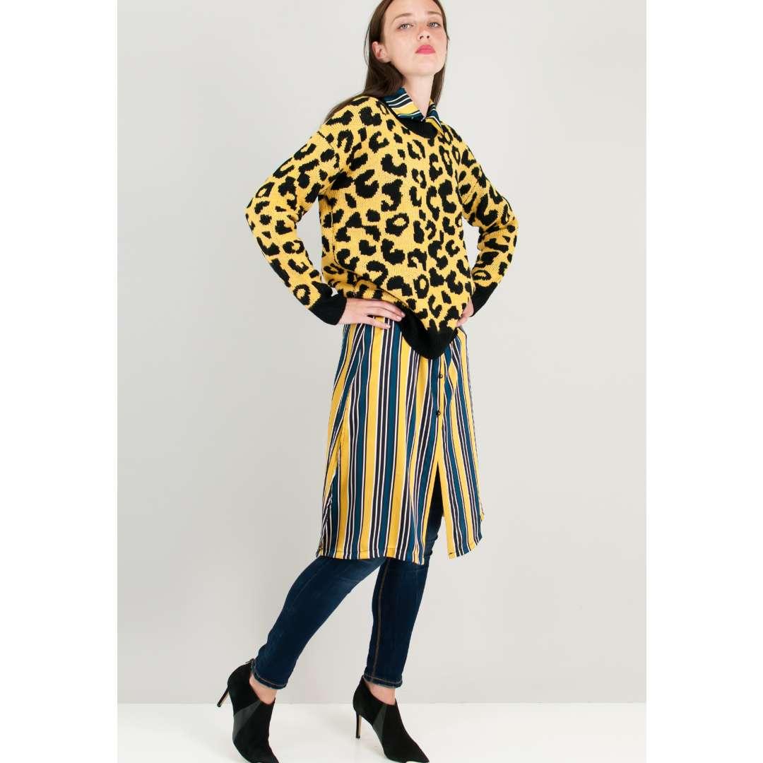 431de9eeb48b Σατέν ριγέ φόρεμα σε στιλ πουκάμισο.