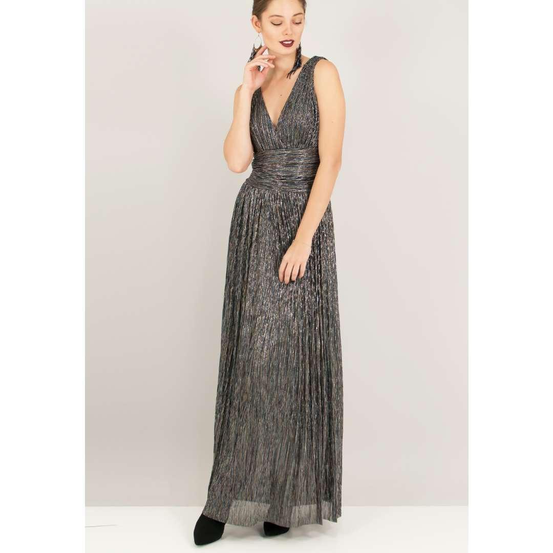 Λούρεξ φόρεμα με σούρες στη μέση.