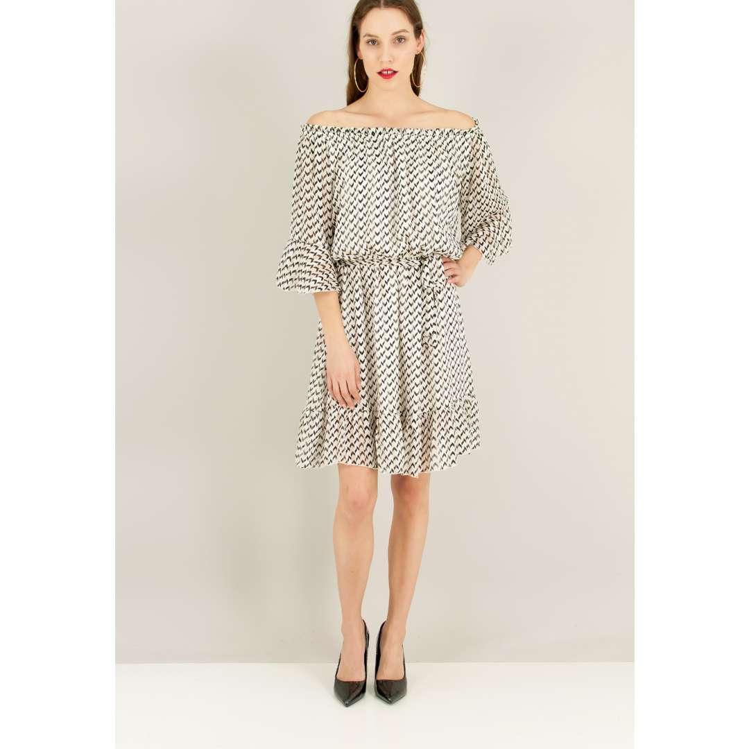 Εμπριμέ φόρεμα με λάστιχο στη λαιμόκοψη