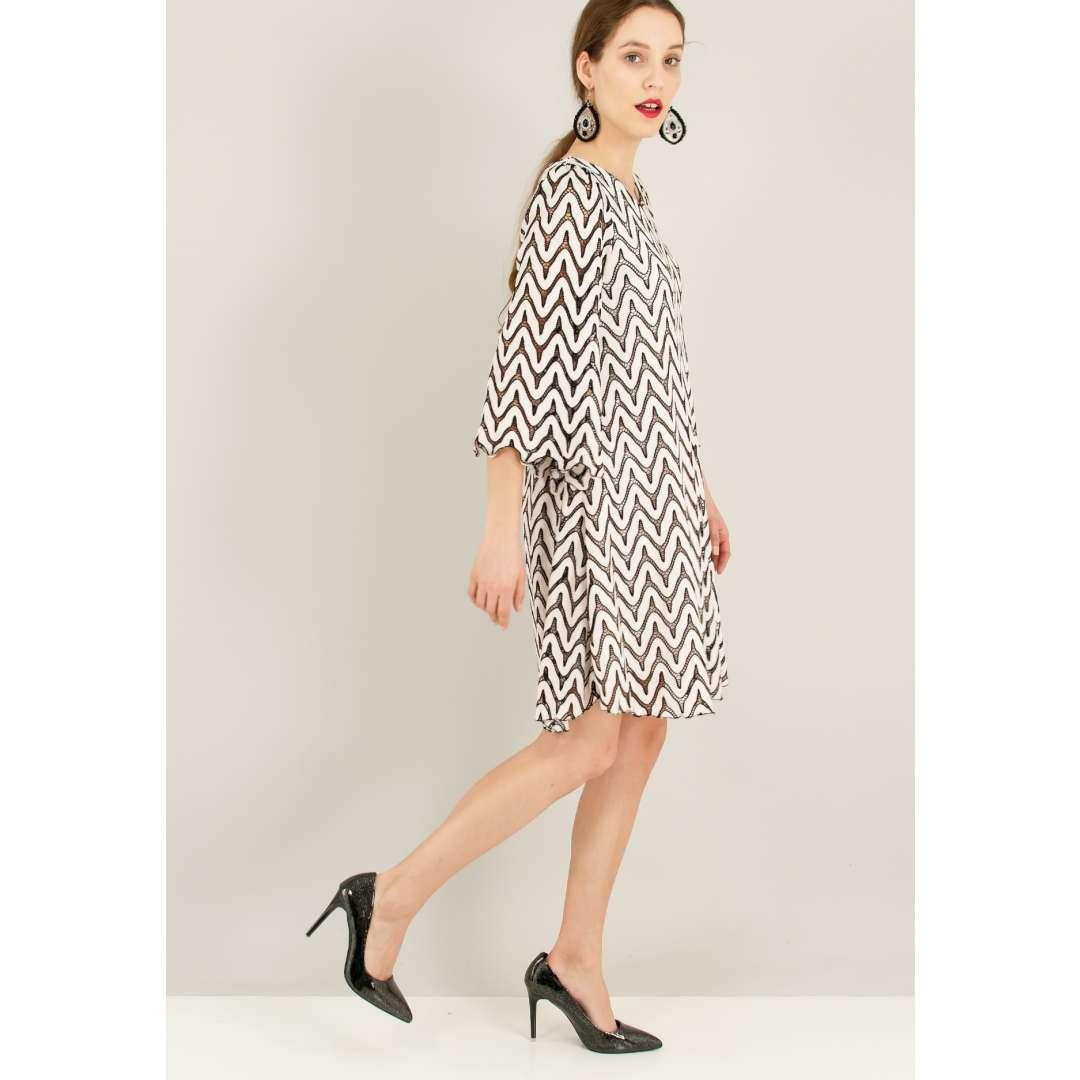 b6a3b9a861fc Πλεκτό ασπρόμαυρο φόρεμα