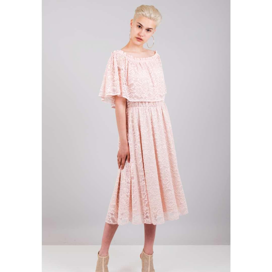 dd85ec353eff Δαντελένιο φόρεμα με έξω τους ώμους